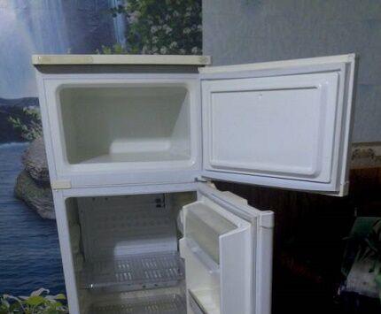 Холодильник Саратов с двумя камерами