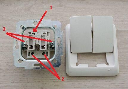 Устройство выключателя с винтовыми зажимами
