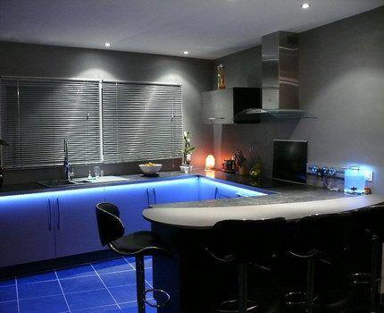 Акцентное освещение на кухне