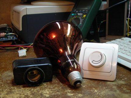 Инфракрасная лампа с регулятором