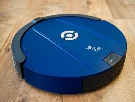 Синий робот-пылесос Китфорт
