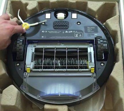 Система щеток в роботе-пылесосе