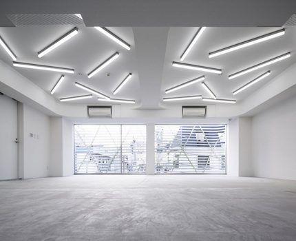 Люминесцентное освещение в комнате