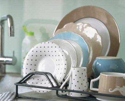 Очищенная посуда от пятен