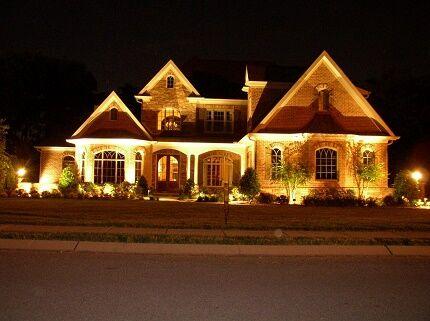 Ночная светодиодная подсветка дома