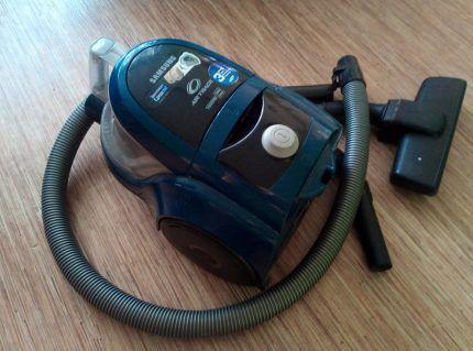 Бюджетный пылесос Samsung SC4520
