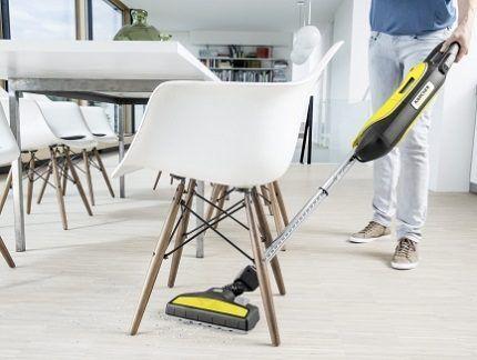 Уборка квартиры пылесосом Керхер
