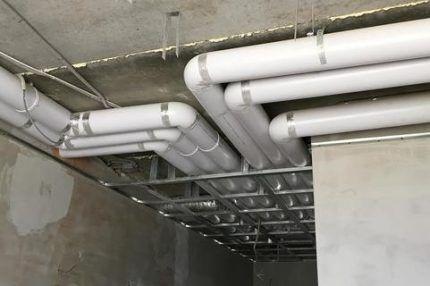 Монтаж вентиляции из пластиковых труб