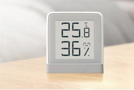 Прибор, измеряющий влажность и температуру