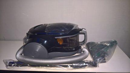 Пылесос LG2000w с турбощеткой