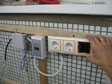 Монтаж электропроводки на лоджии