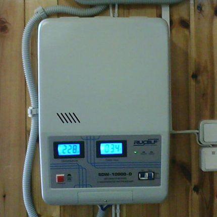 Электронный стабилизатор напряжения