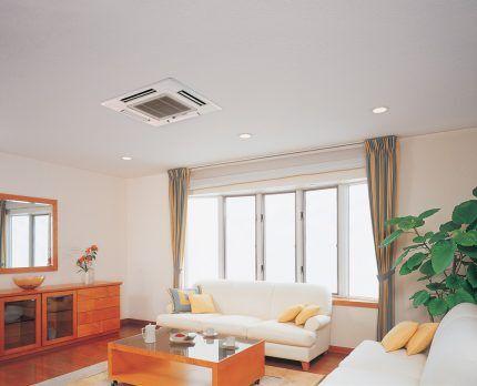 Кассетная сплит-система в интерьере комнаты