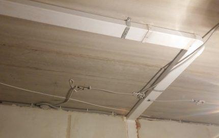 Монтаж вентиляционной системы под натяжной потолок