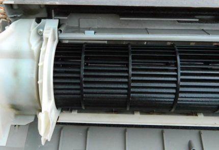 Внешний вид вентилятора внутреннего блока