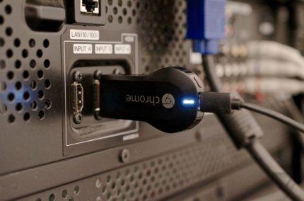 Медиаадаптер Google Chromecast