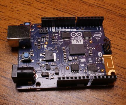 Плата Arduino 101
