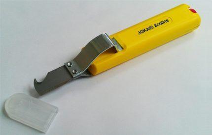 Нож с крючком