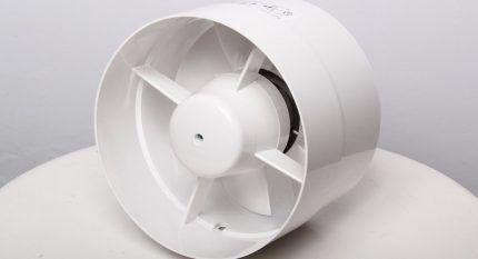 Осевой канальный вентилятор