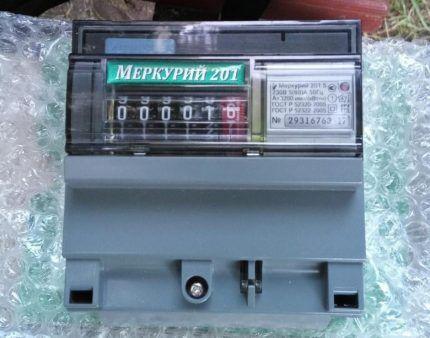 Бытовой однотарифный однофазный электросчетчик