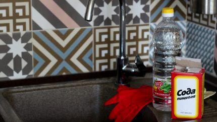 Сода и уксус для промывки труб