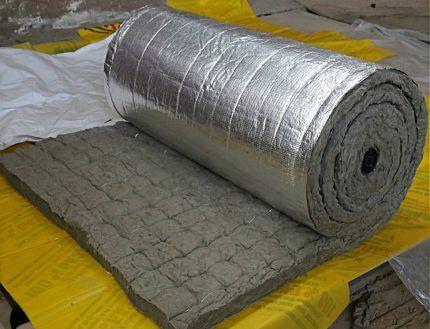 Каменная вата на фольгированной подложке в рулоне