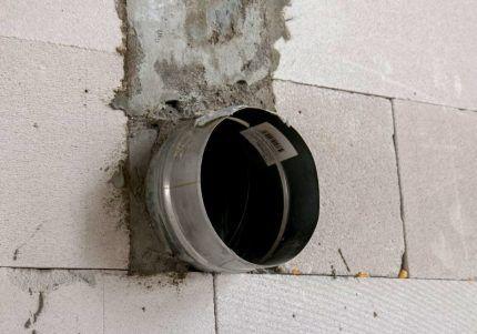 Гильза для газовой трубы в стене