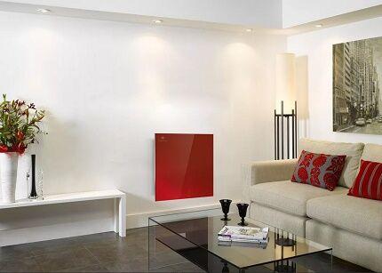 Инфракрасная греющая панель на стене