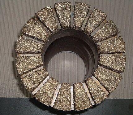 Буровая коронка с техническими алмазами