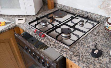 Установка газовой духовки