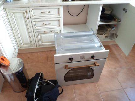Установка духовки в нишу