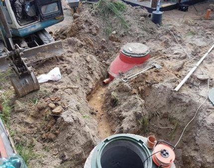 Траншея для канализационной трубы ЛОС SANI
