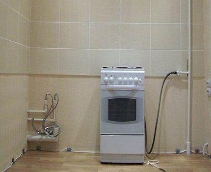 Шланг соединения плиты и газовой системы