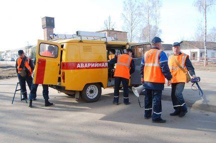 Работники газовой службы