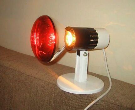 Обогревающая инфракрасная лампа
