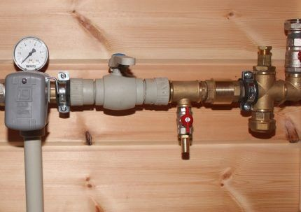 Пружинный клапан в обвязке котла