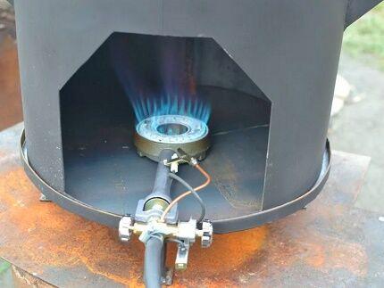 Установка газовой горелки внутри емкости