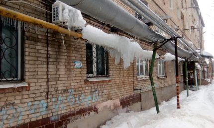 Газовые трубы зимой