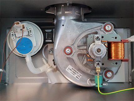 Система отвода продуктов горения котла Аристон