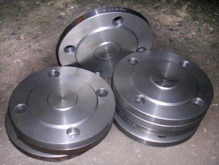 Фланцевые стальные заглушки