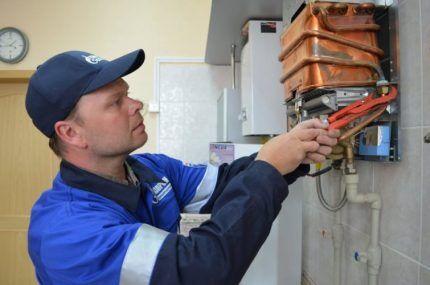 Обслуживание настенного газового котла