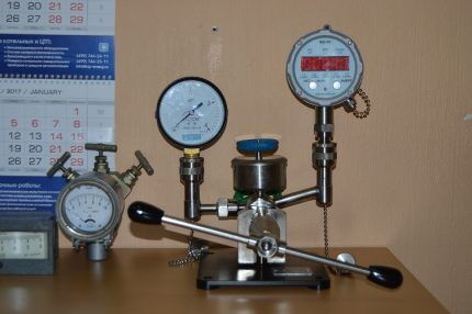 Поверка манометра газового редуктора