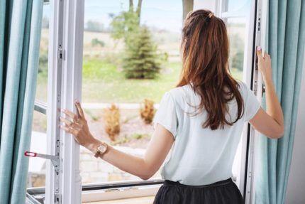 Открыть окно в случае утечки газа