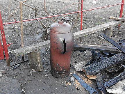 Разорванный газовый баллон