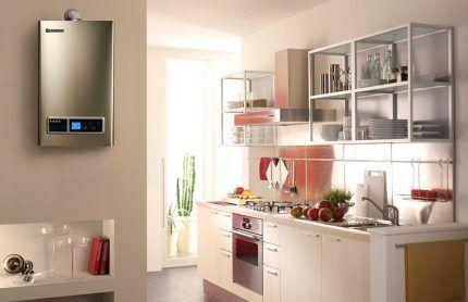 Современный стиль интерьера на кухне с колонкой