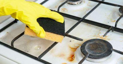 Решетку следует мыть в перчатках