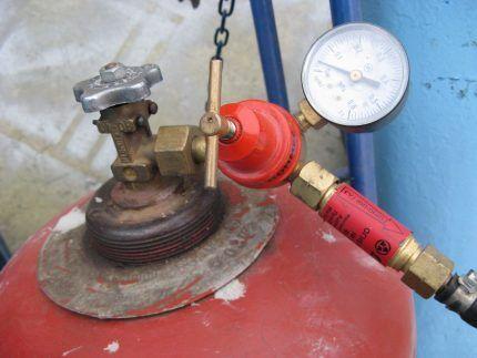 Подача газа из баллона