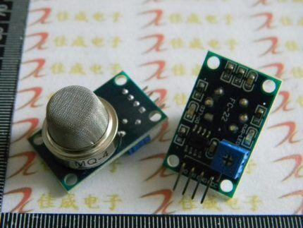 Миниатюрная микросхема датчика