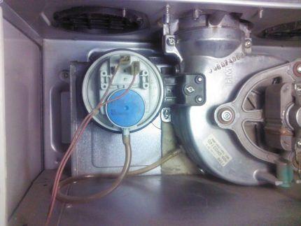 Внутреннее устройство газового котла Аристон