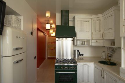 Оригинальное цветовое решение для газовой плиты